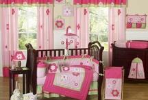 Pink & Green Bedroom / by Kids Room Treasures