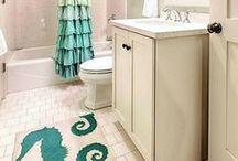 Coastal Bathrooms / Transform your bathroom into a seaside retreat.