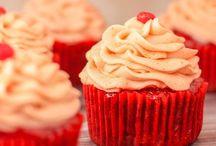 Desserts / by Marjorie E. Paul Roc