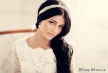 Свадебная повязка, лента, ободок / Свадебные повязки (свадебные ленты) - это одни из самых древних украшений для волос. Свадебные ленты сегодня на пике популярности, только они немного изменили свой внешний вид, теперь ленточки расшиты кристаллами, жемчугом, 3D-цветами.