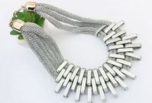 Statement Necklaces To Indulge IN / The latest fashion trends in statement necklaces
