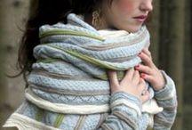LABORES - Punto y ganchillo - .Chales, bufandas, cuellos, capuchas / by Rosa Trias