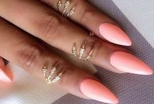 PrEtTy NaIlS / Nail art & design for any occasion  / by SaNi