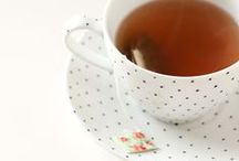 morning coffee (or tea) / Dla wielu z nas jest to pierwsza rzecz, o jakiej myślimy tuż po przebudzeniu. Większość z nas ma również swoje ulubione kubki lub filiżanki! /// For many of us this is the first thing we are thinking right after waking up. Most of us have also our favorite mugs or cups!