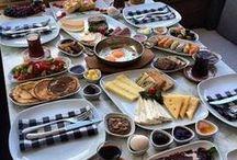 Kahvaltılık Ürünler / Sağlıklı ve enerjik bir güne merhaba demek için her gün sabah güzel bir kahvaltı yapmamız gerekmektedir.Günün ilk öğünü olan kahvaltı her birey için en önemli öğündür.