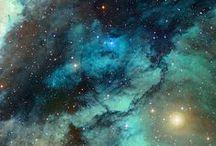 UNIVERSE UNIQUE / universe galazy starts aurora planets moon black light supernova nova mars earth blue red nebula milky way mercury pluto cluster telescope views star planetary venus saturn space