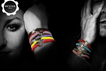 The Explosion of colors. Rainbow Bracelets - Un'esplosione di colori. Bracciali Rainbow / Rainbow Bracelets. Macrame finished bracelets with rhodium-plated 925 Silver time machine element. - Bracciali Rainbow realizzati con lavorazione macrame e time machine argento rodiato 925 .