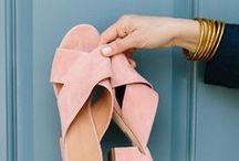 SHOES / Paixão por sapatos.