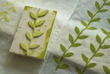 Drucken / Von Hand, mit Stempel, mit Gemüse und Früchten, mit Pflanzen, Gipsrelief