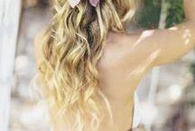 BODAS DE VERANO / Las bodas de Verano invitan a disfrutar de la naturaleza. Sandalias, vestidos vaporosos y sombreros de paja se mezclan para vivir una boda organizada íntegramente en el exterior de La Masía.