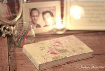 LIBROS DE FIRMAS / Encontrar un lugar donde ubicar el libro de firmas para que tus invitados den testimonio de lo bien que se lo han pasado en tu boda es fácil en La Masía les Casotes, ya que dispone de mil rincones que decorar para sorprenderos.