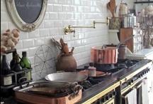 Kitchens / by Roisin MacManus