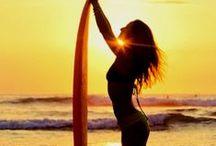 Surfer Girls / Surfer Gils Around The World