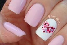 Nailed it / To do your nails is relaxing and can be creative, just try it!