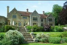 Wedding ceremony venues / Beautiful country house wedding venues throughout the UK and France.