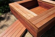 Deck with Bench Seats / Build a bespoke deck complete with seats for the perfect gathering place.