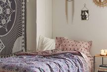 Bedroom inspiration / Cute and Cool Teenage Girl Bedroom Ideas • Tips, Ideas & Tutorials! • Teen girl bedroom decorating ideas.