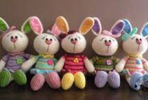 amigurumi /horgolt kis figurák :egerek,macik,nyuszik ,babák stb.