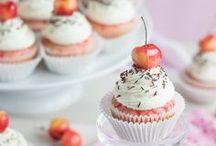 Sweeties: Cupcakes and Muffins / cupcake, muffin, minicake, fondant au chocolat, financiers, tartelette