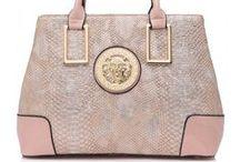 Υπέροχες Τσάντες- Ιδιαίτερα Αξεσουάρ / Υπέροχες τσάντες, μοναδικά backbags και clutch bags για ιδιαίτερες περιστάσεις είναι εδώ για να απογειώσουν την εμφάνισή σας!!