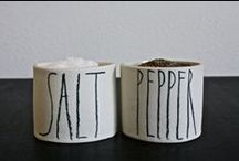 Shakers / Salt & Pepper - the perfect combination to season your food