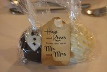 Our Guest Favours / We create beautiful guest favours of cake pops or painted cookies to match your theme and colours!
