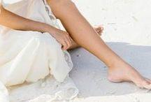 Les pieds dans l'eau. ( l'été en blanc )