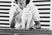 Celebrities and their pets / George and friend