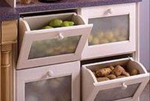 Organização: gavetas, prateleiras e mais.
