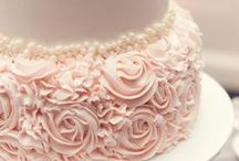 Cakes / The most gloriously decorated cakes for every occasion.  / by Claudia D