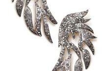 Jewellery: Earrings / by Trine Paulsen