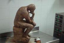 CHOCOLAT SCULPTED - Le Penseur / Reproducción de Le Penseur de Rodin en CHOCOLATE.