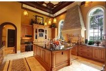 Kitchens / A collection of inspiring kitchen designs in your next Tampa Bay home.