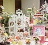 Pop Up Bakery / Hier poppt die Bäkery auf! Rezeptideen und eine liebevolle Vintage Bakery mit Kuchen, Torten und Blumendekoration.