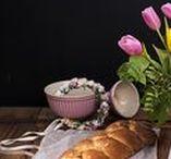 Ostern in Österreich. Traditionelle Rezepte & Ostertisch. / Traditionelle Osterrezepte aus Österreich. Zu Ostern in Österreich gehören Striezel, Brioche, Germzopf, Schinken, Butter und der traditionelle Ostertisch.