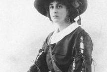 Vita Sackville-West / Vita Sackville-West: author, poet and friend of Virginia Woolf (1892-1962)