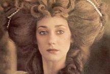 big vintage hair / hairstyles of a bygone era  / by Cat Hewit