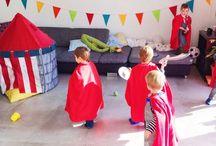 KiPa Ritter / Alles was für eine Ritterparty benötigt wird, findet ihr bei myKinderparty! Der Ritter Geburtstag mit Kostümen, Einladungen, Bastelset Ritterschild & -schwert, spannendes Ritterturnier... Als Erinnerung an den erlebnisreichen Tag, gibt es eine persönliche Urkunde mit Polaroid Bild