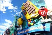 Las Vegas Mommies / Tips for families in Las Vegas as well as those traveling to the city with children.