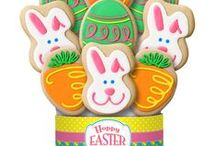 2016 Easter Decorated Cookie Bouquets/Gifts / We've decorated our extra large and colorful Easter egg, bunny and carrot cookies to make a deliciously unique Easter gift for your friends or family members to enjoy.