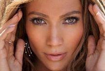 Jennifer Lopez / JLo divat haj smink stb.
