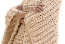 Swetry/bluzki/spodnie/spódnice/szydełko