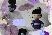 Pequeños muñecos hechos a mano. / Amigurumis tejidos a ganchillo.
