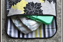 Canastilla que inspira... / Inspiración para coser y realizar complementos para la canastilla del bebé: baberos, mordedores, portapañales y toallitas, cambiadores, sacos... Tutoriales, esquemas y patrones.