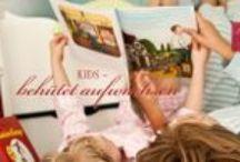 Kids / Bettwäsche, Spannbettlaken, Schlafsack, Geburtstag und Taufe Geschenk Ideen, T-Shirts, Hochstuhl Sitzkissen, Kuschekissen, Kulturella oder Garderobe ganz nach Ihren Wünschen. Maßgeschneidert, personalisiert, Individualisiert oder mit Motive. Nestbauglück fertigt aus Vielzahl wundervoller Stoffe & Materialien feine Erstausstattungen und individuelle Einrichtungen. Hier findest du auch Ideen was wir von andere schön und toll gefunden haben