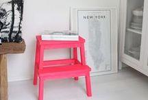 Un toque de color / Añade elementos decorativos que le den un toque de color a tu hogar.
