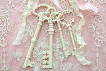 "Door's Knockers Handles Keys and Locks((""?'),,."