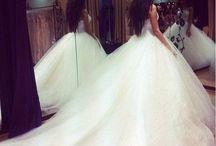 Wedding Dresses / Dream Dresses  / by Nicole Zagata