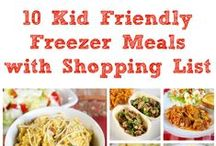Recipes for freezer meals / I love the convenience of preparing dishes ahead of time and then freezing them. All you have to do is grab one and pop it in the oven or crockpot for home-cooked meal on even the busiest nights! Sweet!