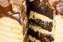 Cakes & Pies / by Maria Hinojos